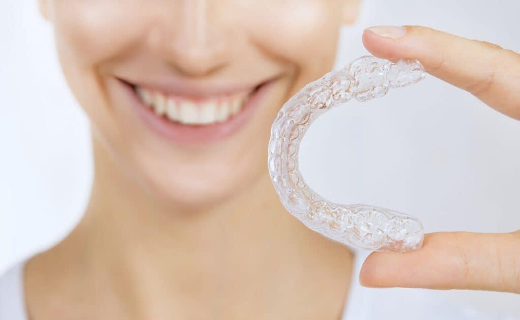 ¿Cómo funciona la ortodoncia invisible?